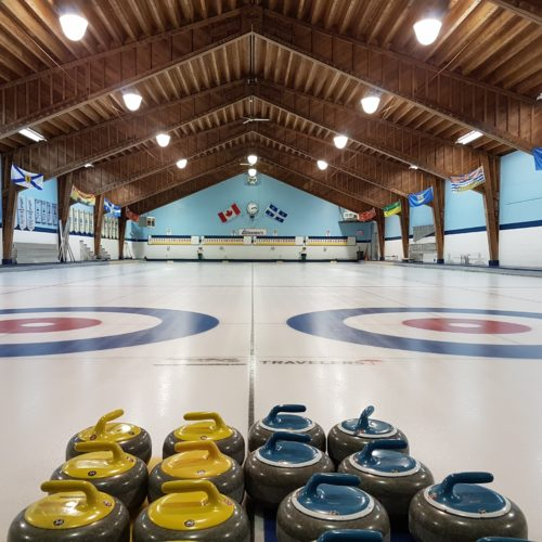 Les glaces du club de curling de Glenmore vous attendent!